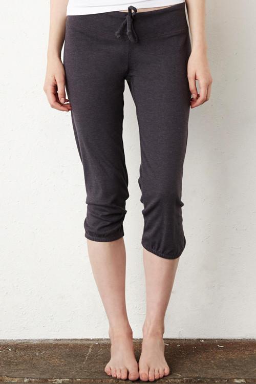 Pantaloni de damă Capri Scrunch Bella + Canvas